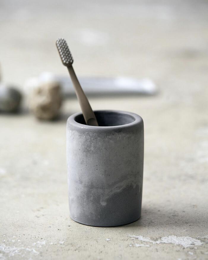 Tandborsthållare i cement från House Doctor