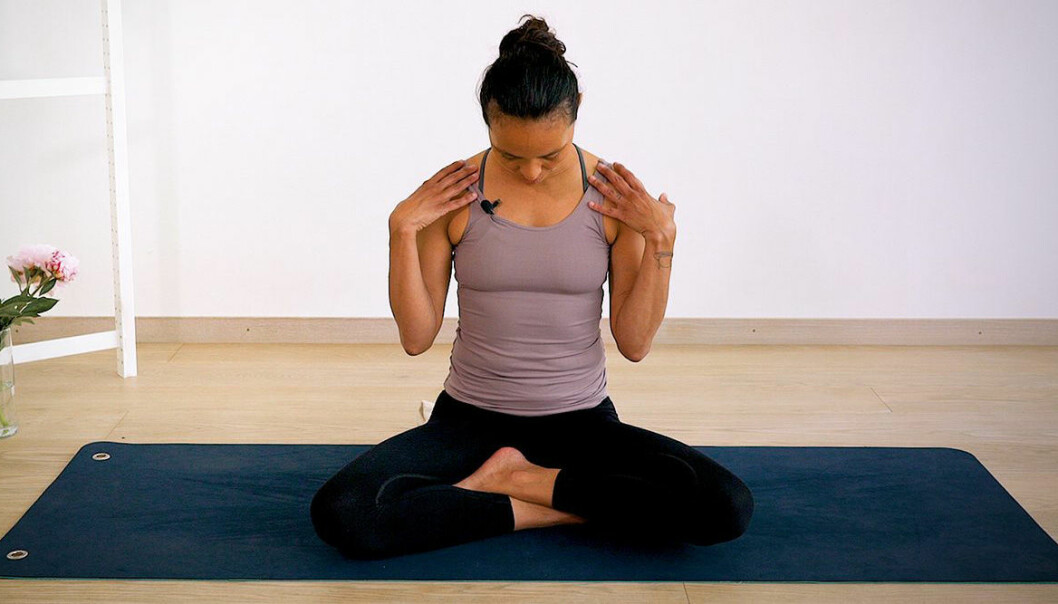 yoga med johanna – ett pass mot sms-nacke