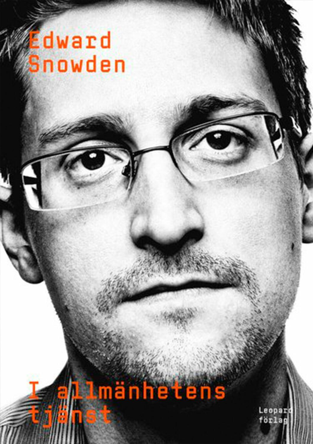 Bokomslag till I allmänhetenstjänst, bild på Edward Snowden.