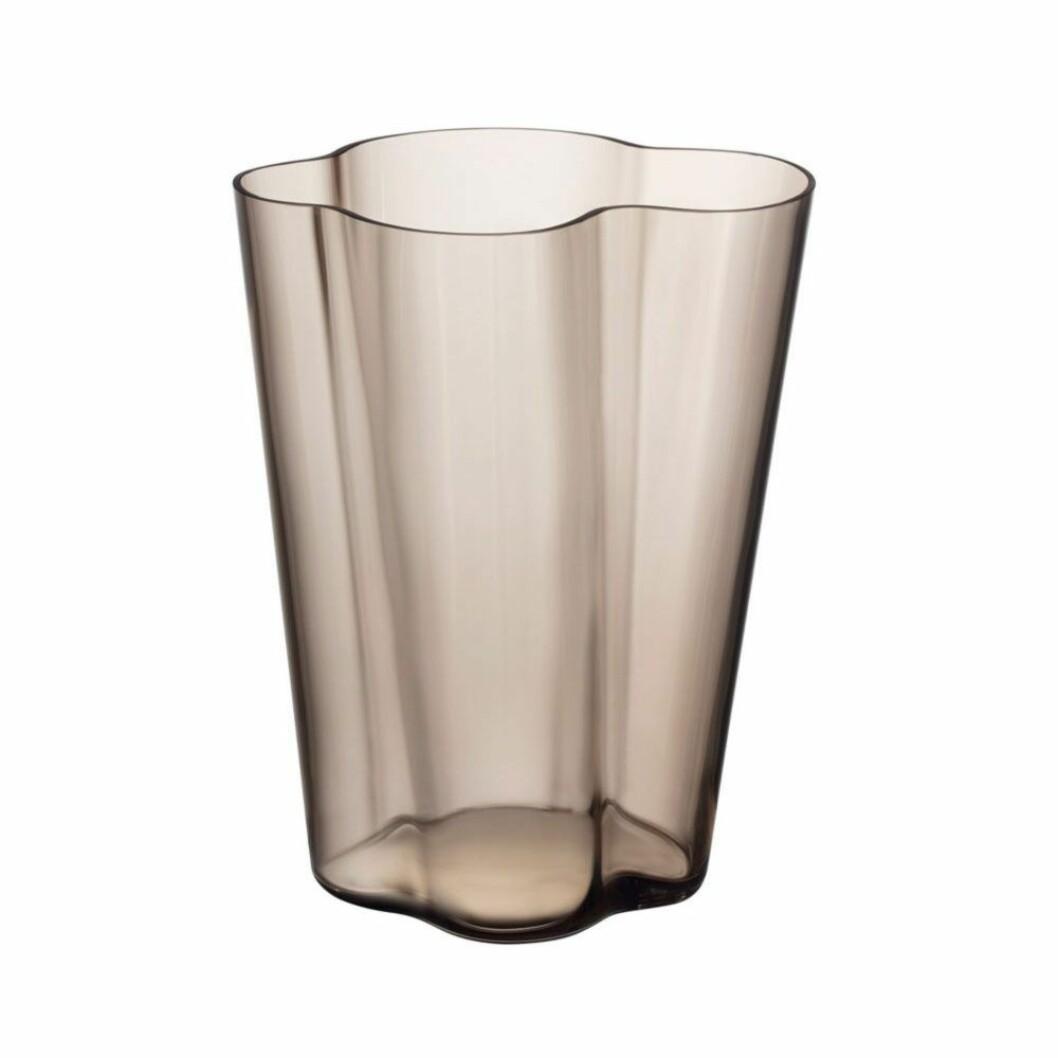 Den ståtliga Aalto-vasen från Iittalas serie Linen.