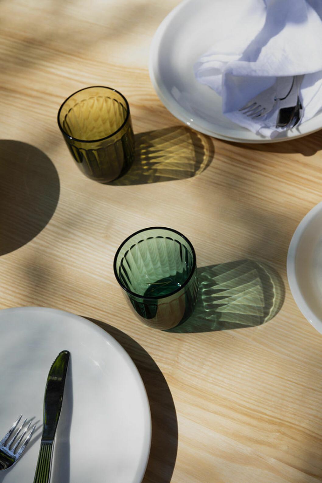 Färgade dricksglas från Iittalas serie Raami