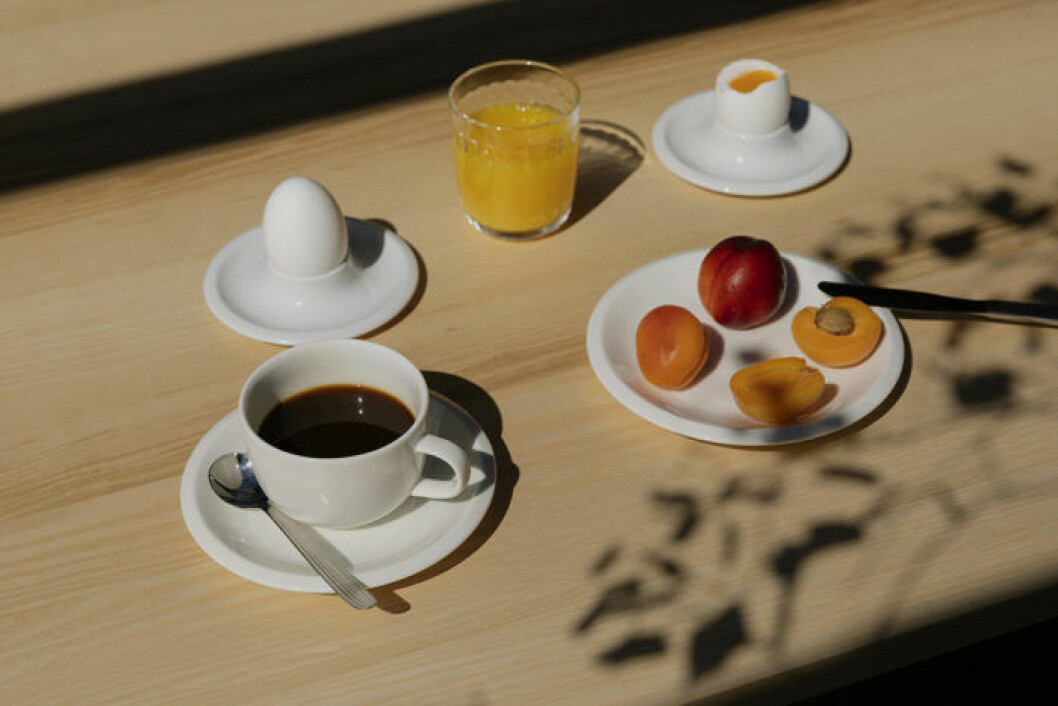 Kopp, fat och äggkoppar från Iittalas serie Raami