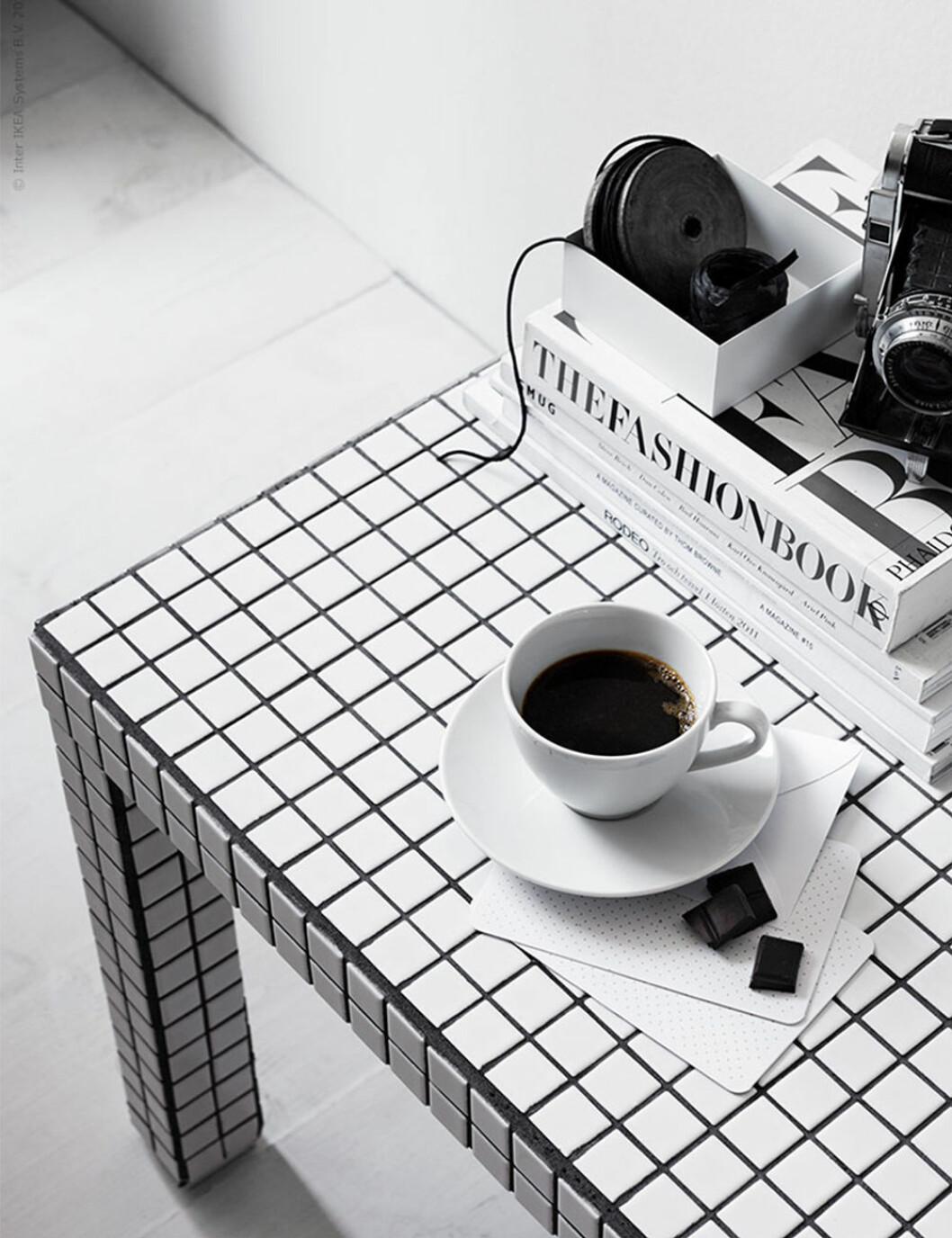 Ikeas Lack-bord med DIY-mosaik