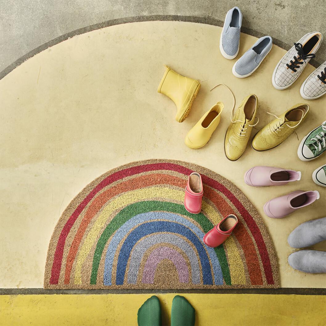 Mattan Pillemark från Ikea – regnbågsformad matta
