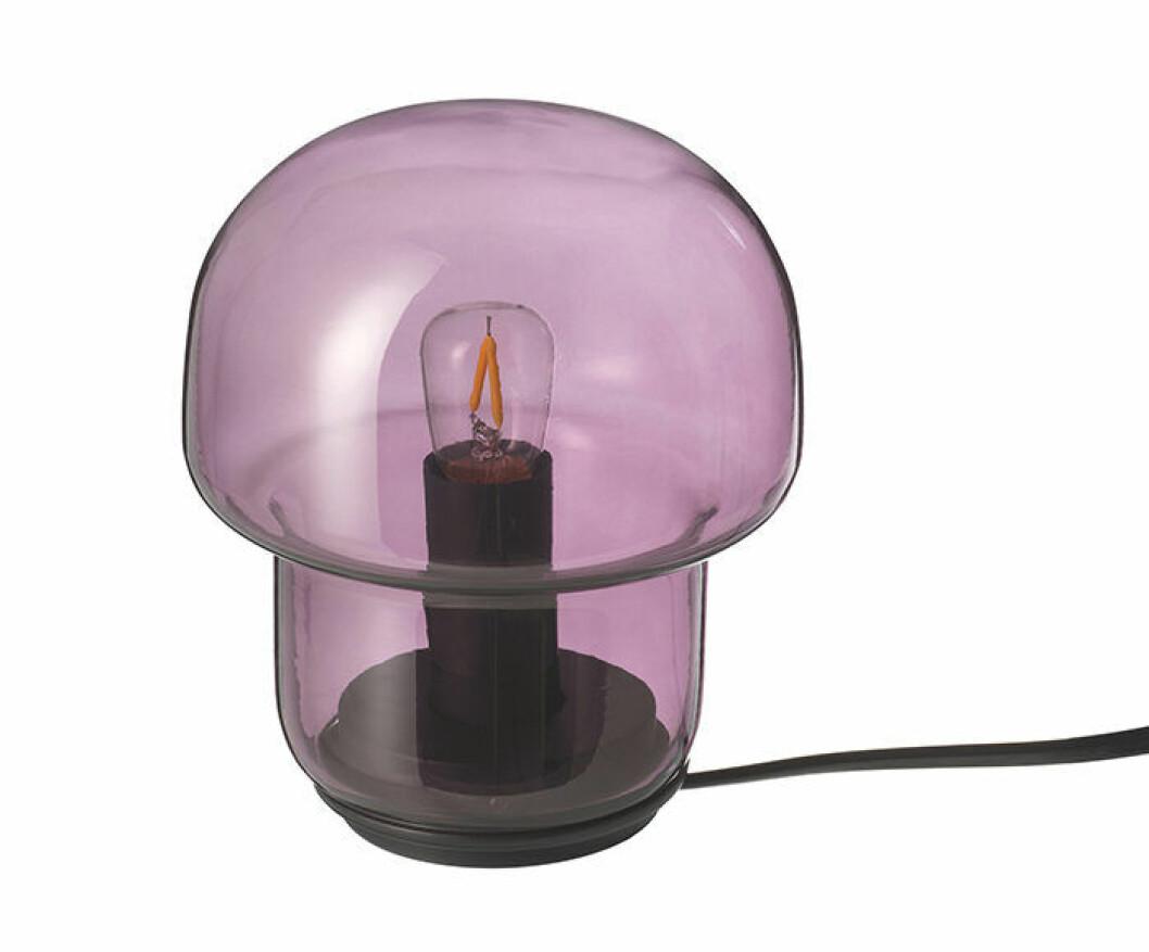 Tokabo bordslampa i lila glas från Ikea