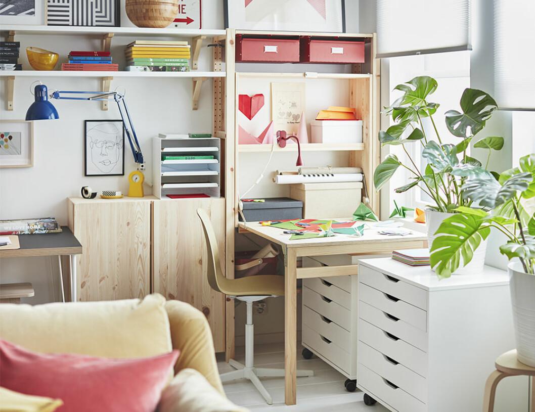 lekfullt hemmakontor i ikea katalogen 2021