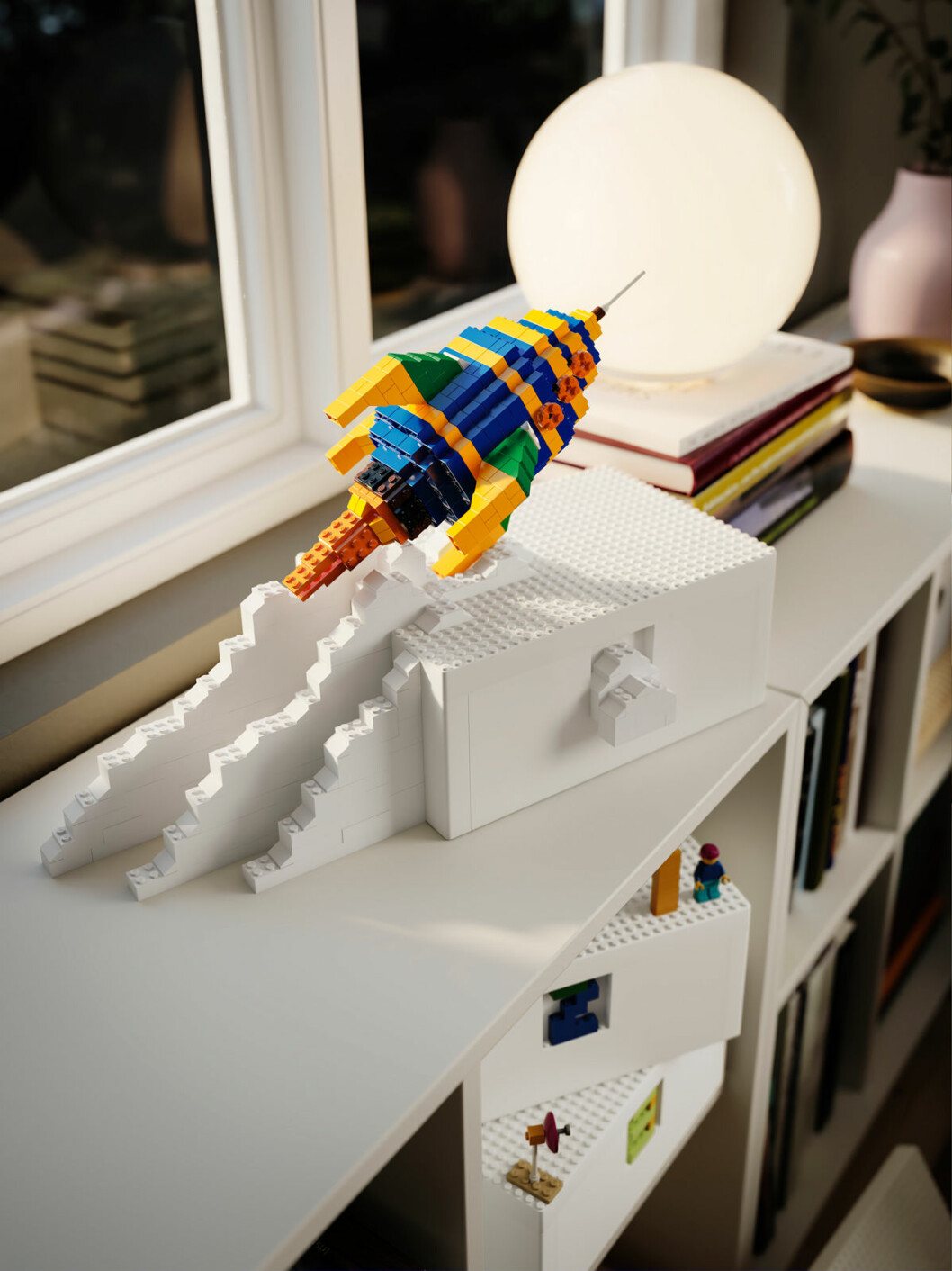 Ikea Lego samarbete bygglek klossar hylla