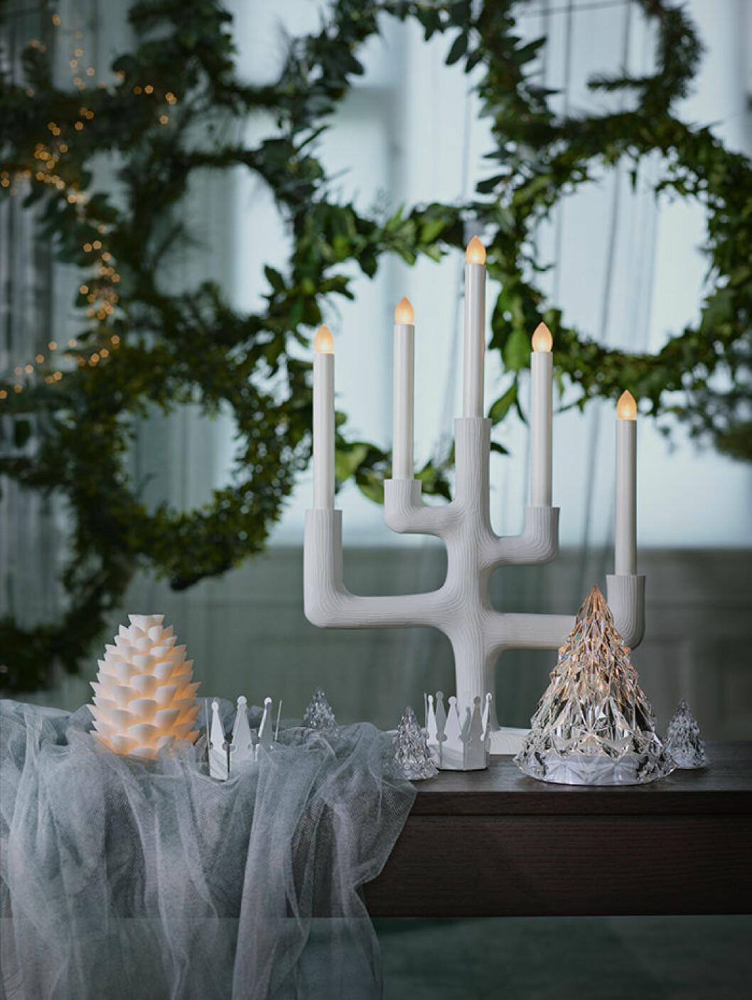Vit ljusstake från Ikea, vintern 2018