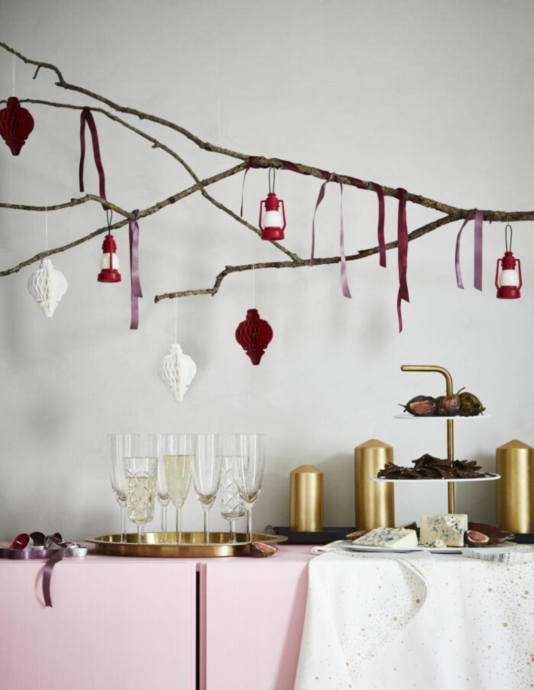Röda juldekorationer från Ikea julen 2019