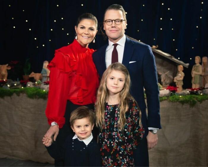 julkort från kronprinsessan victoria, prins daniel, estelle och oscar