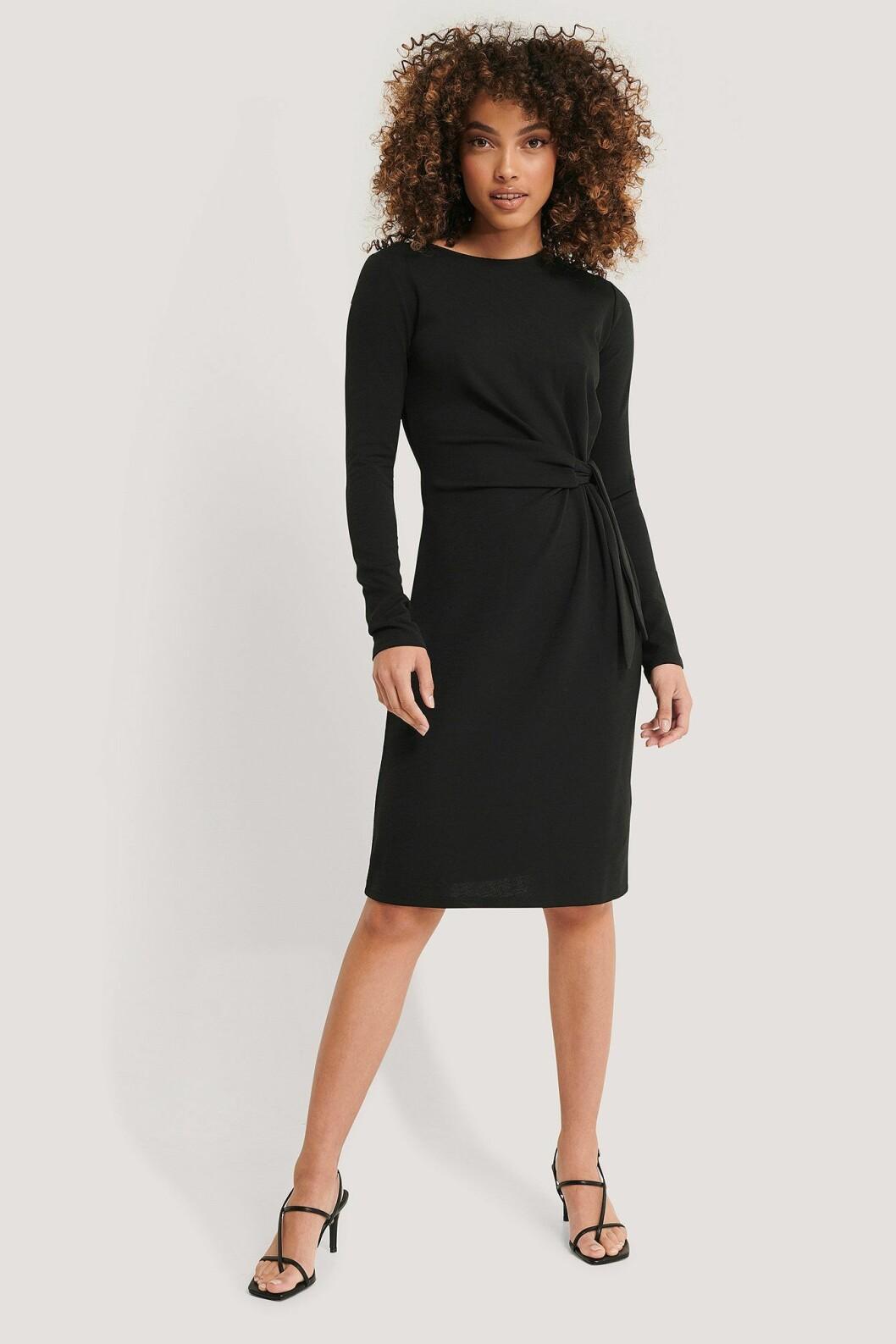 Imane Asry x Na-kd: Svart klänning