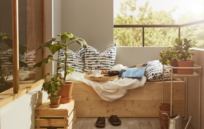 Så inreder du med compact living på balkongen