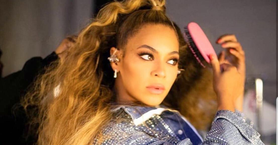 Beyoncé borstar håret