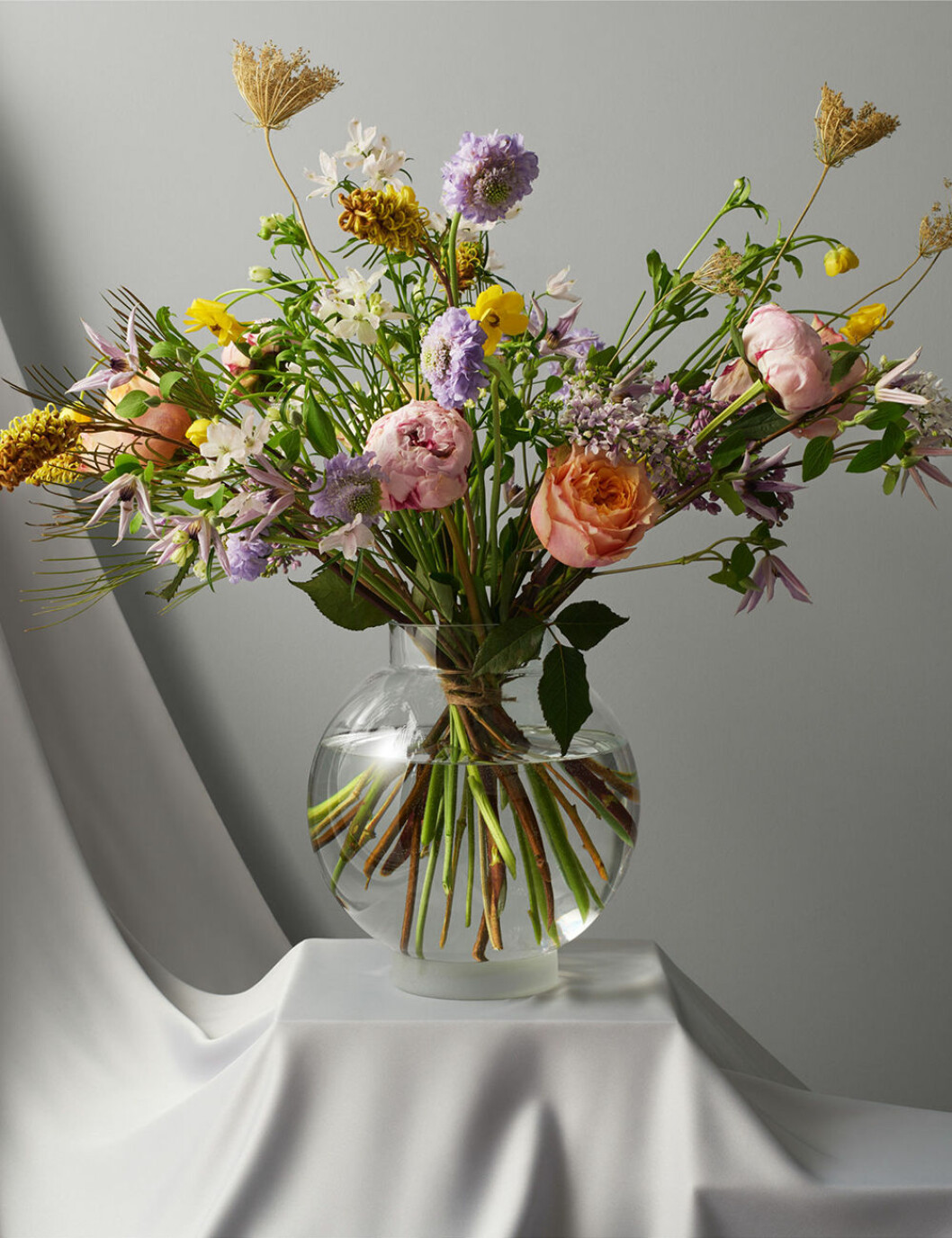 vas från åhléns x interflora