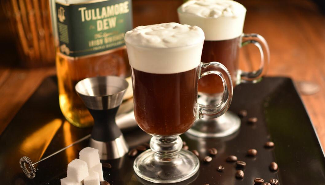 Lär dig blanda en perfekt Irish Coffee!