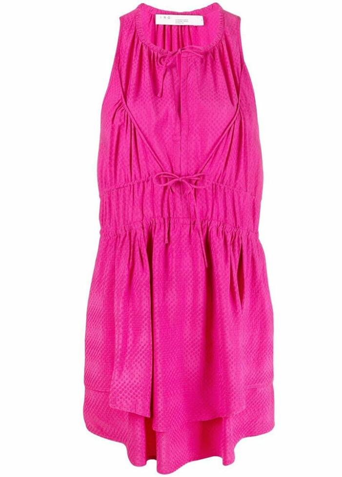 ceriserosa klänning