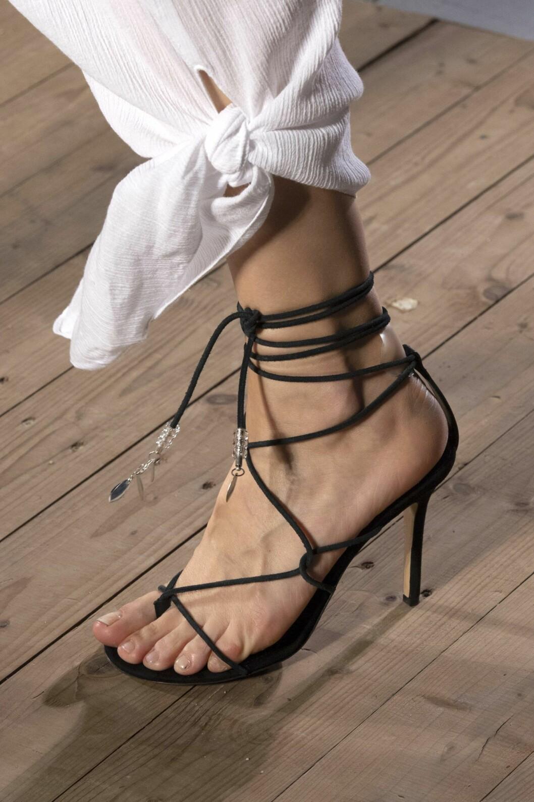 svarta rem-sandaler isabel marant