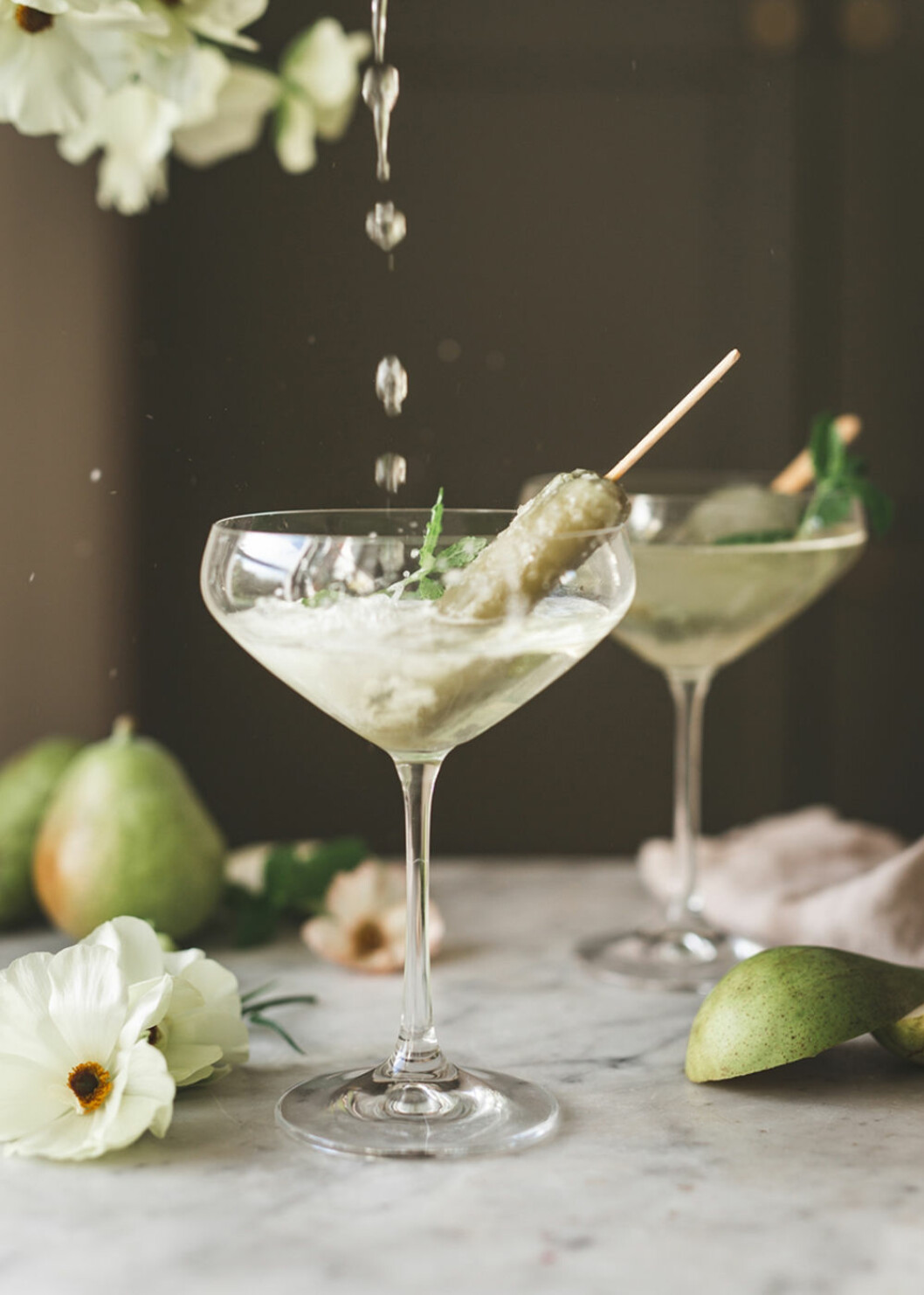 Enkel drink med bubbel och isglass