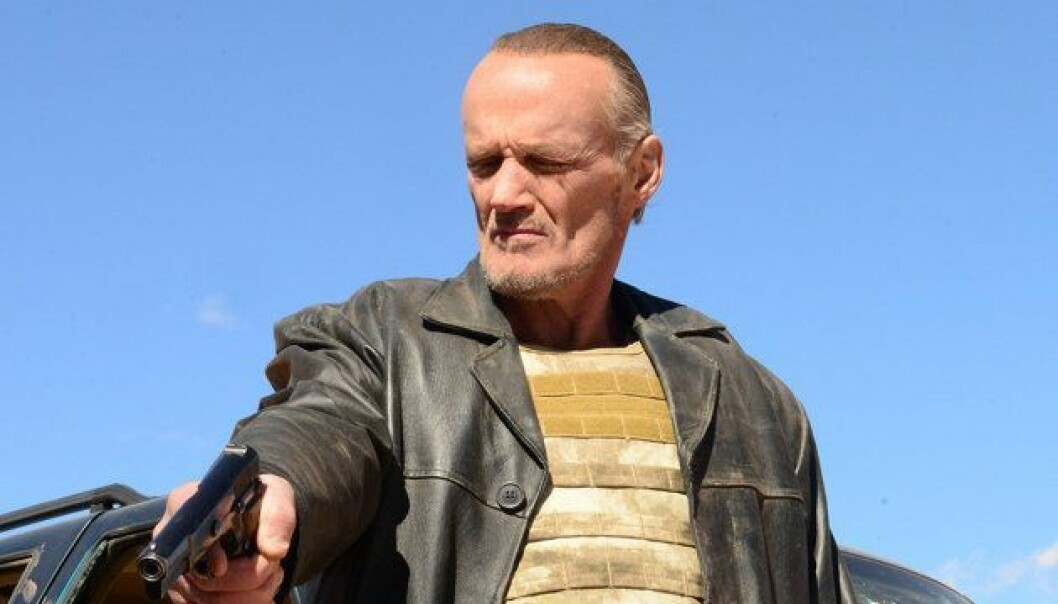 Jack med en pistol