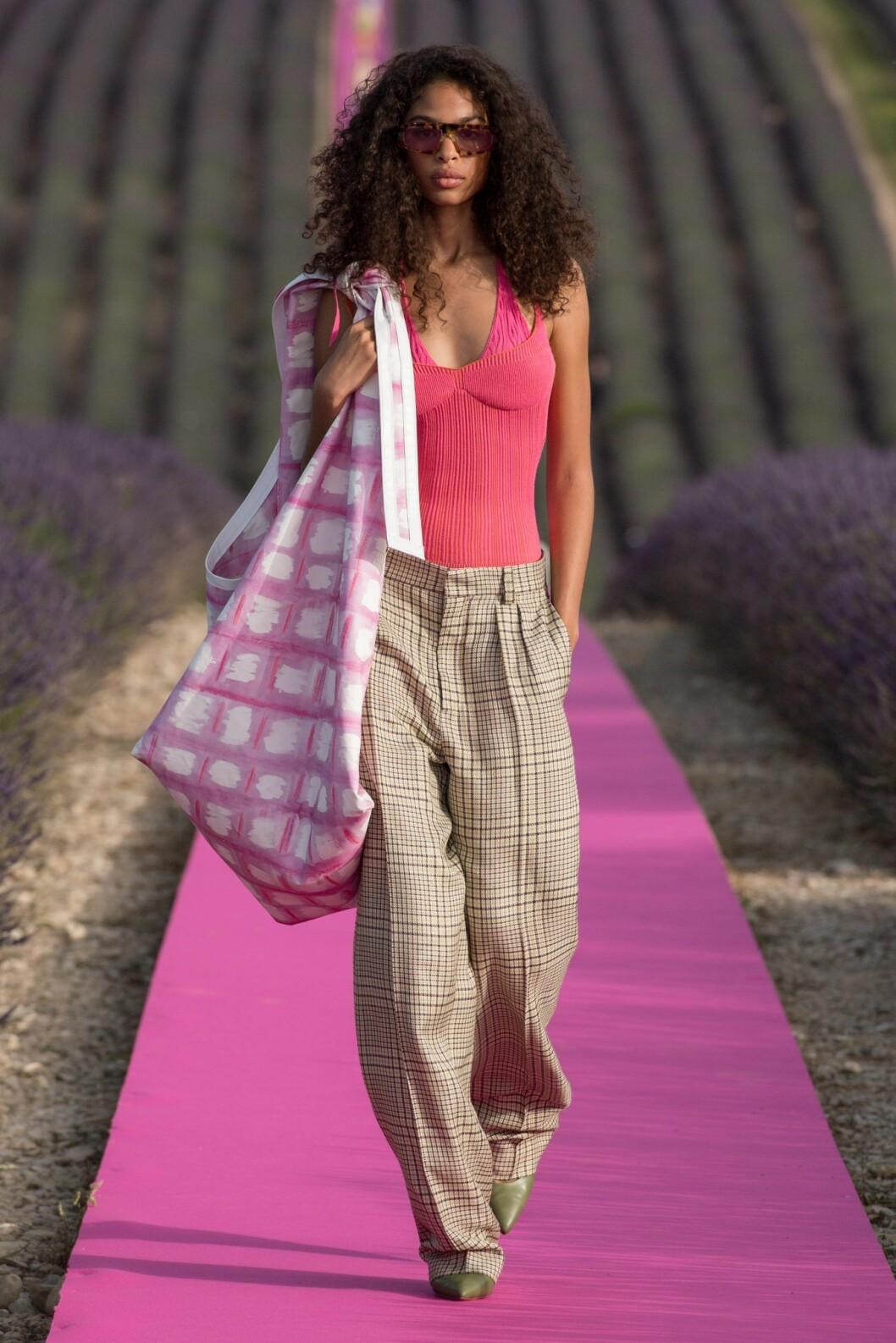 XL-väska från Jacquemus våren 2020