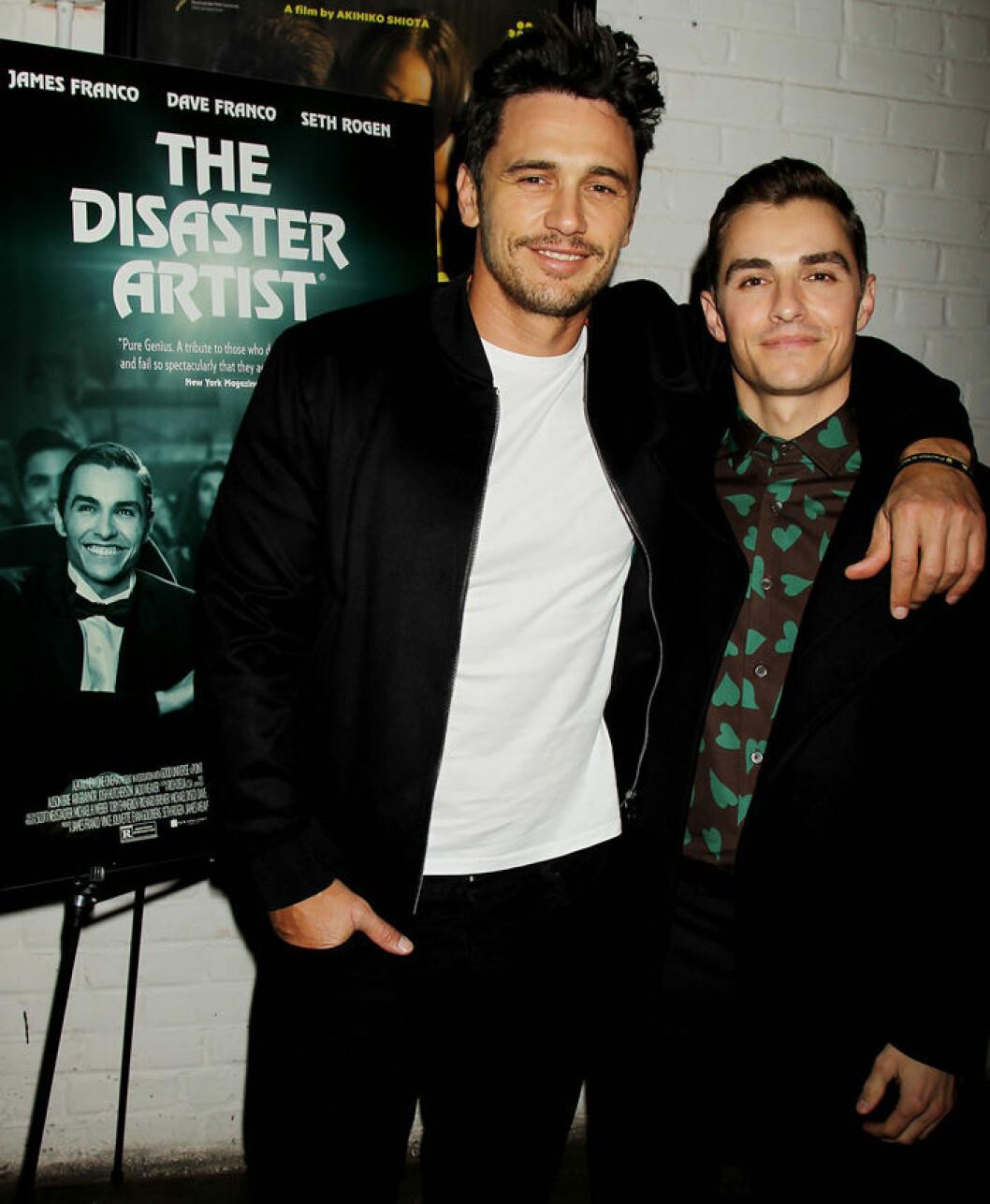 En bild på James och Dave Franco på filmpremiären av The Disaster Artist, 2017.