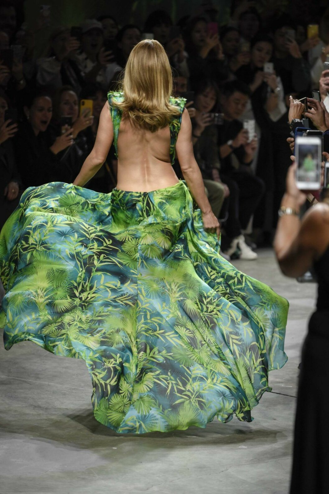 Jennifer Lopez Versace 2019 klänning rygg