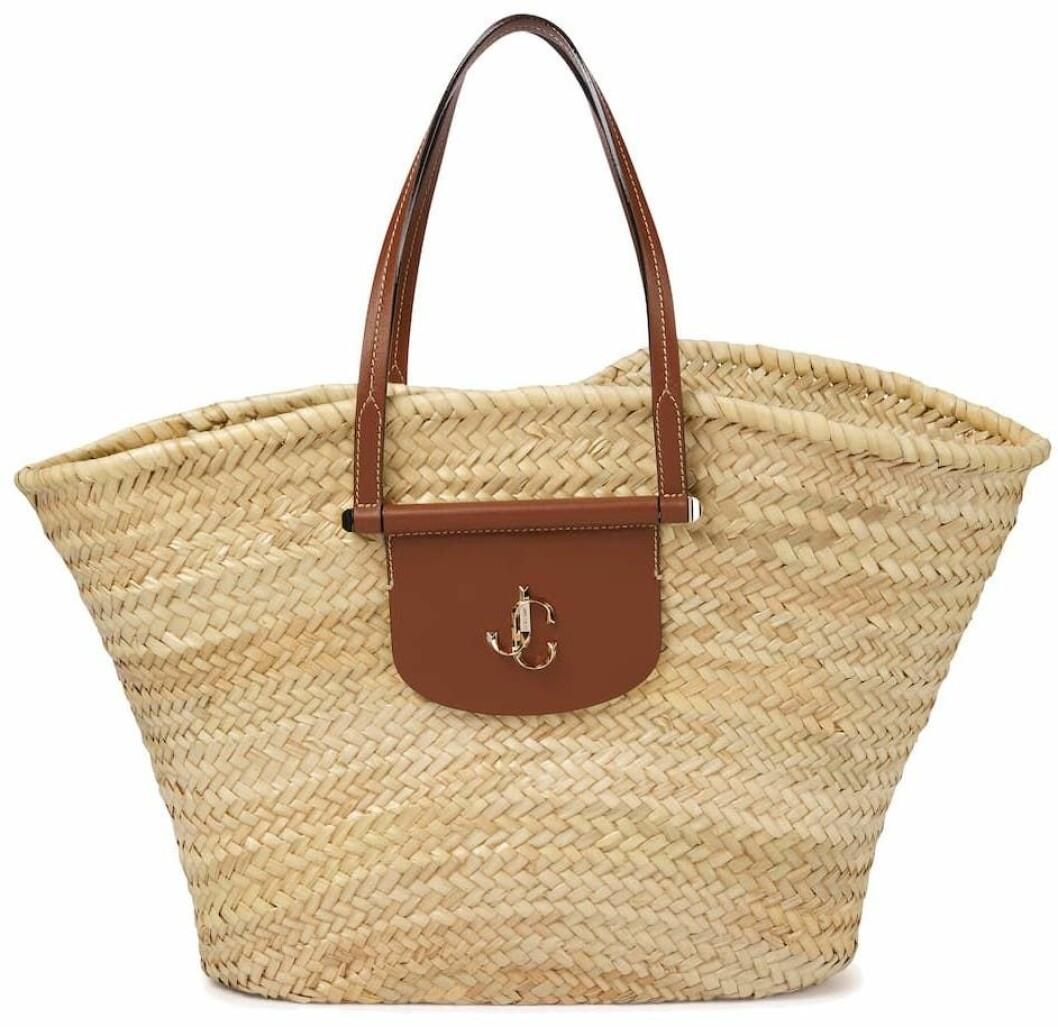 Stor stråväska från JImmy choo.