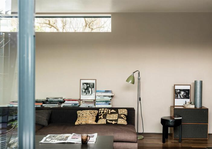 Jitney No.293 från Farrow & Ball är en beige väggfärg