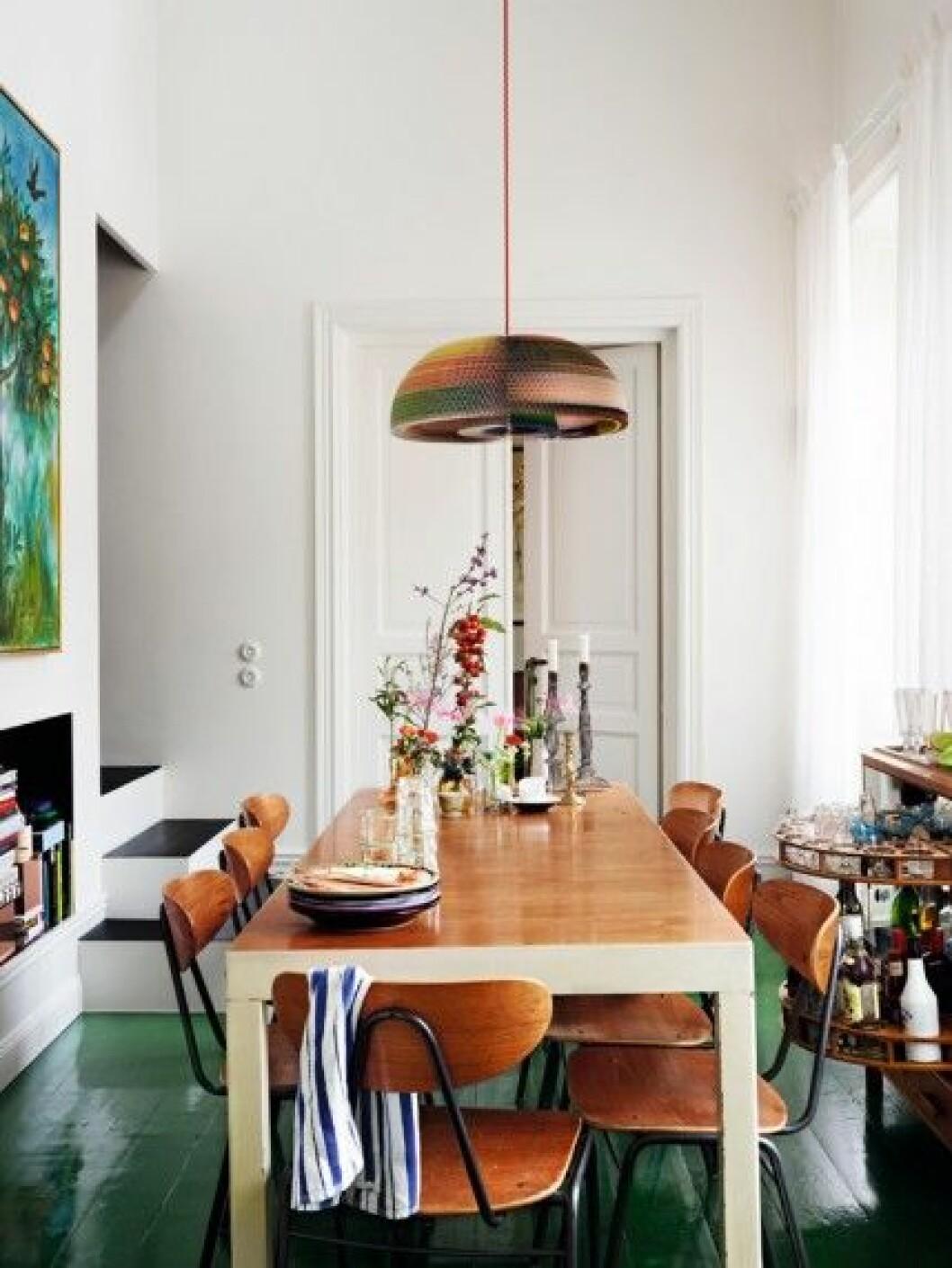 Johan-Svensons-matplats-matbord-malade-golv-foto-idha-lindhag