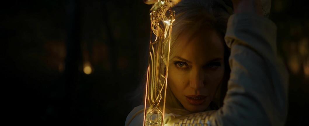 Angelina Jolie som krigaren Thena i Eternals.