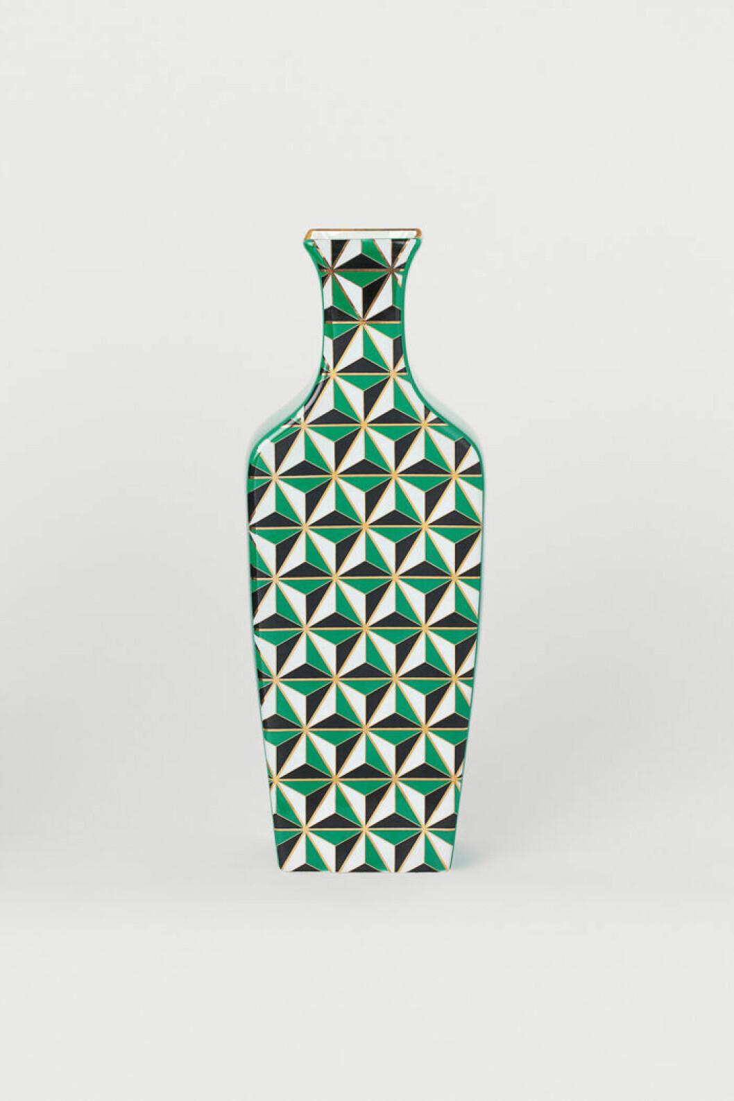Mönstrad vas i grönt, vitt och svart från Jonathan Adler x H&M