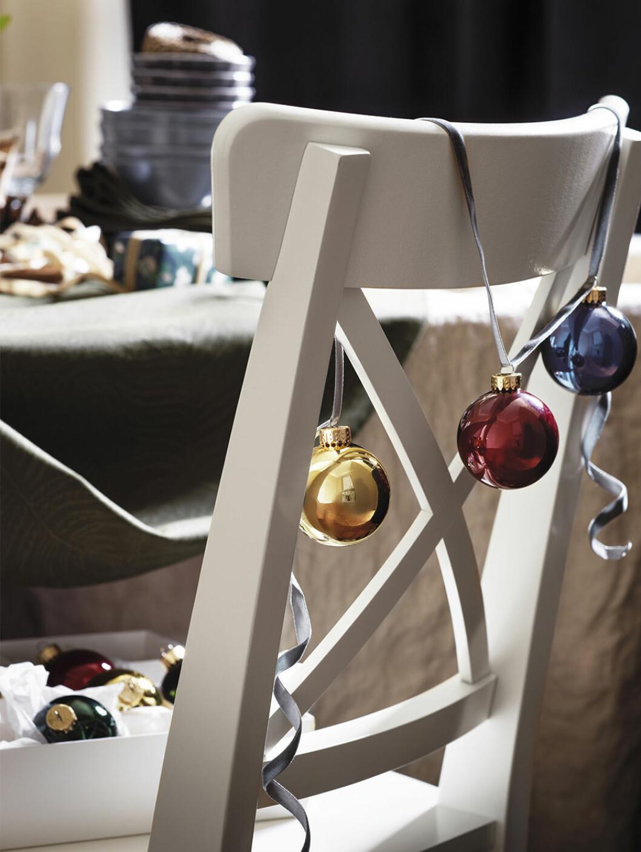 Dekorationer till granen från ikea i jul