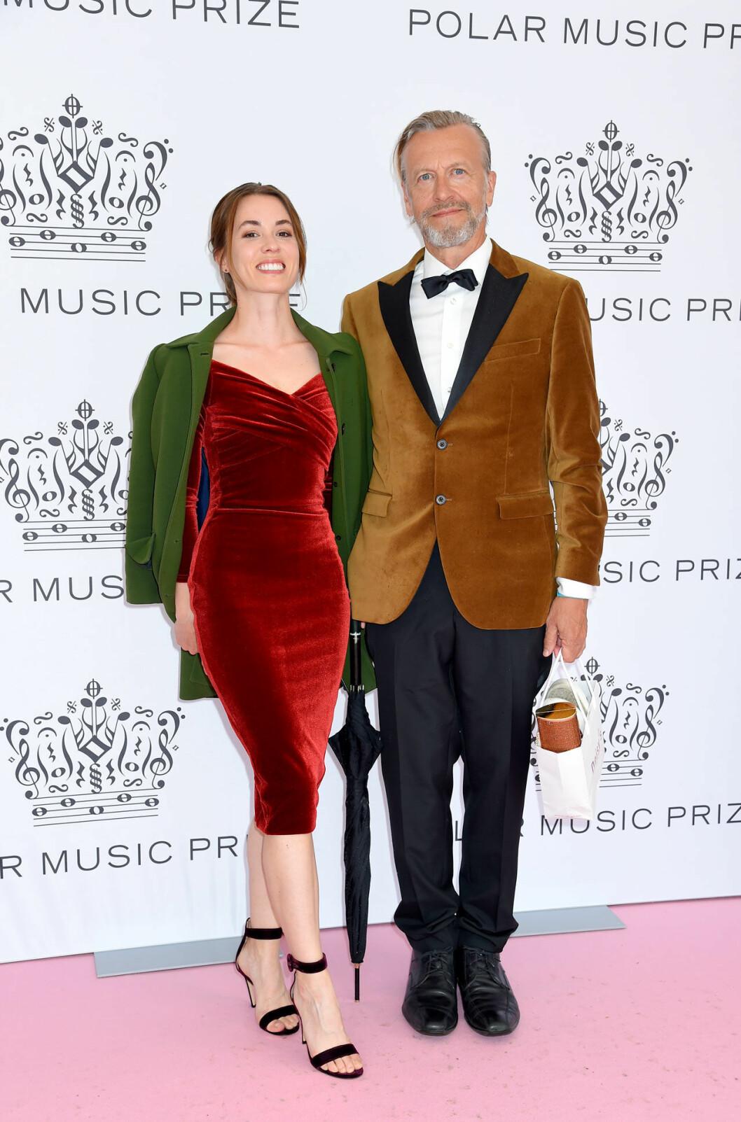 Julia Billgren och Ernst Billgren på rosa mattan på Polarpriset 2019