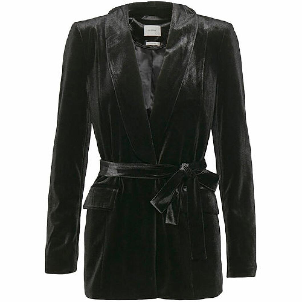 Blazer i svart färg och sammet