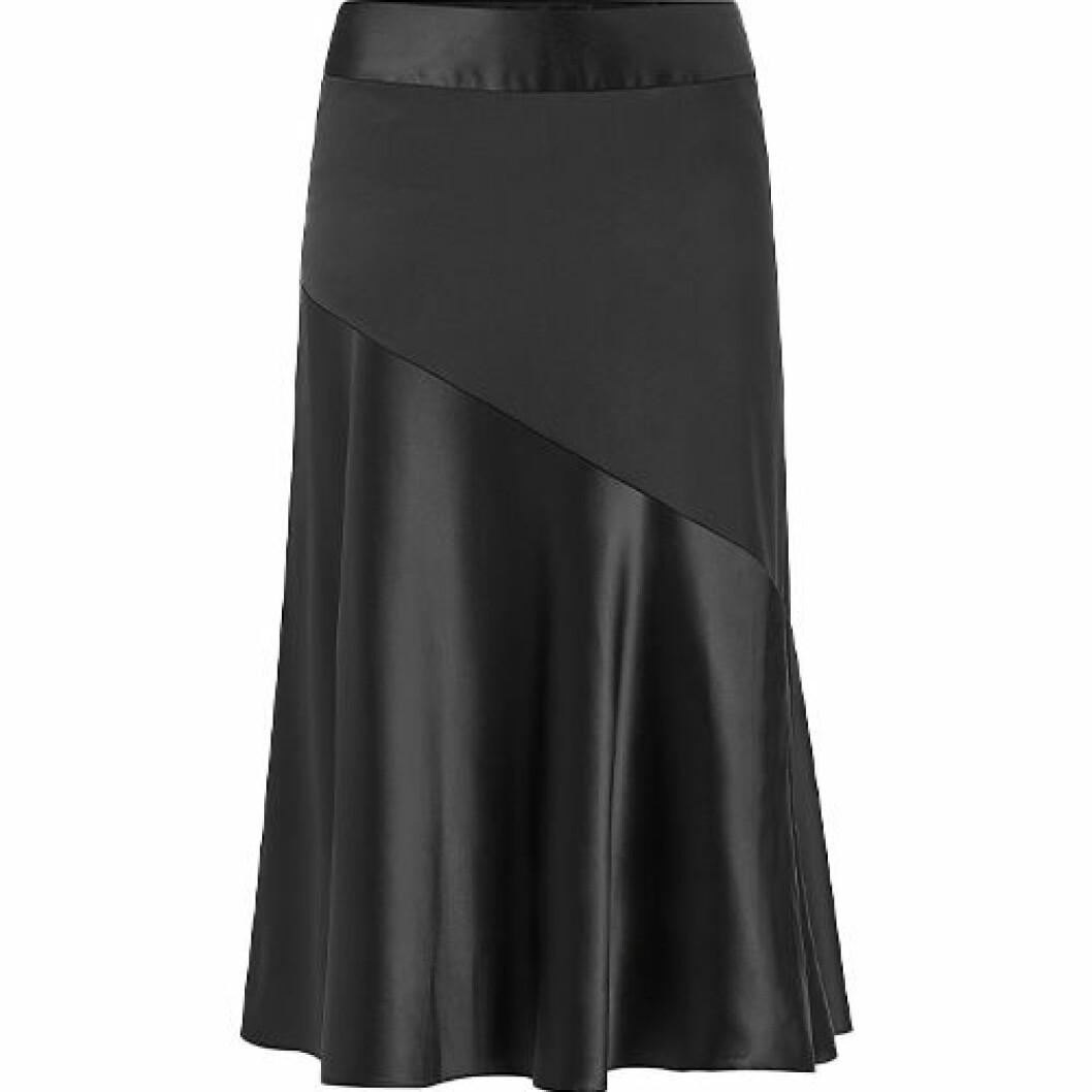Kjol i svart satin