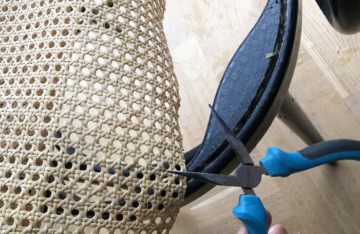 Så lagar du din rottingstol, tips från Frida Fahrman