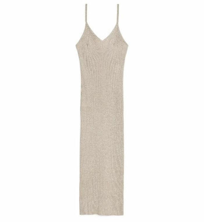 stickad klänning beige