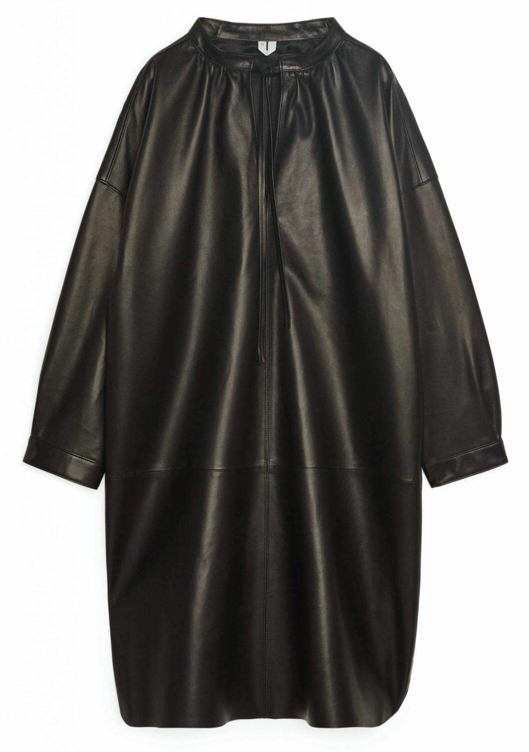 Läderklänning från Arket.