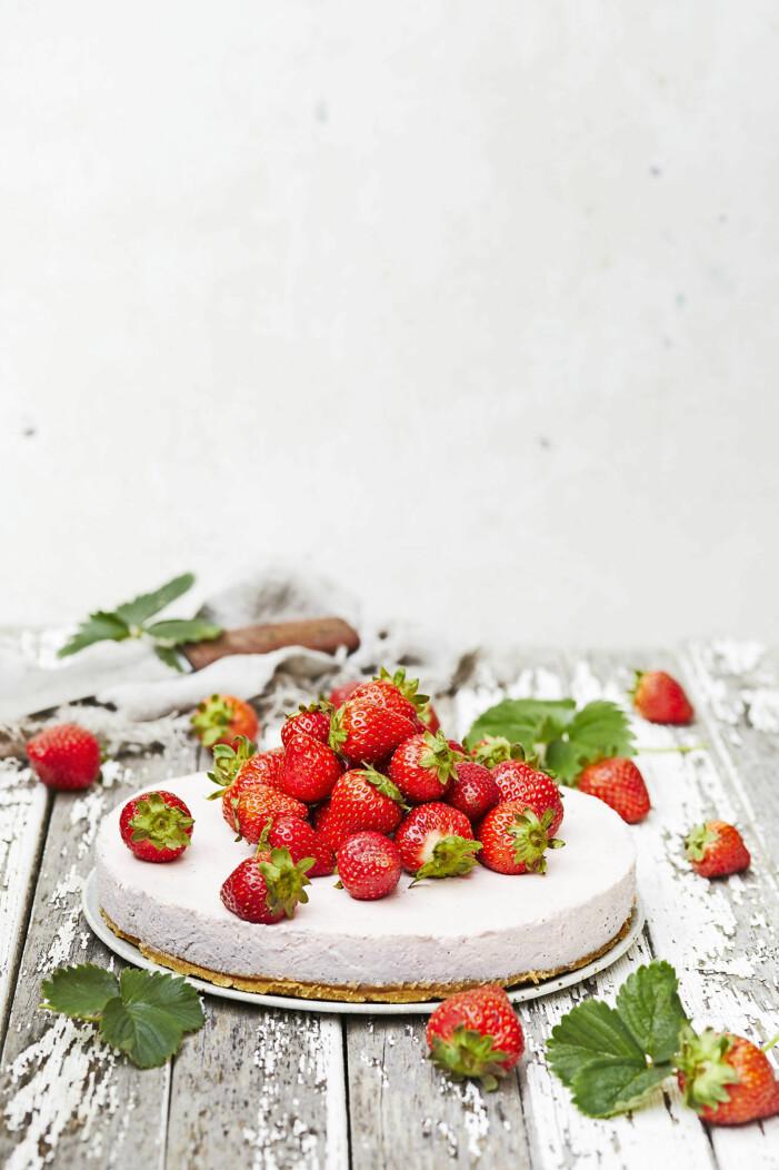 Klassisk jordgubbscheesecake