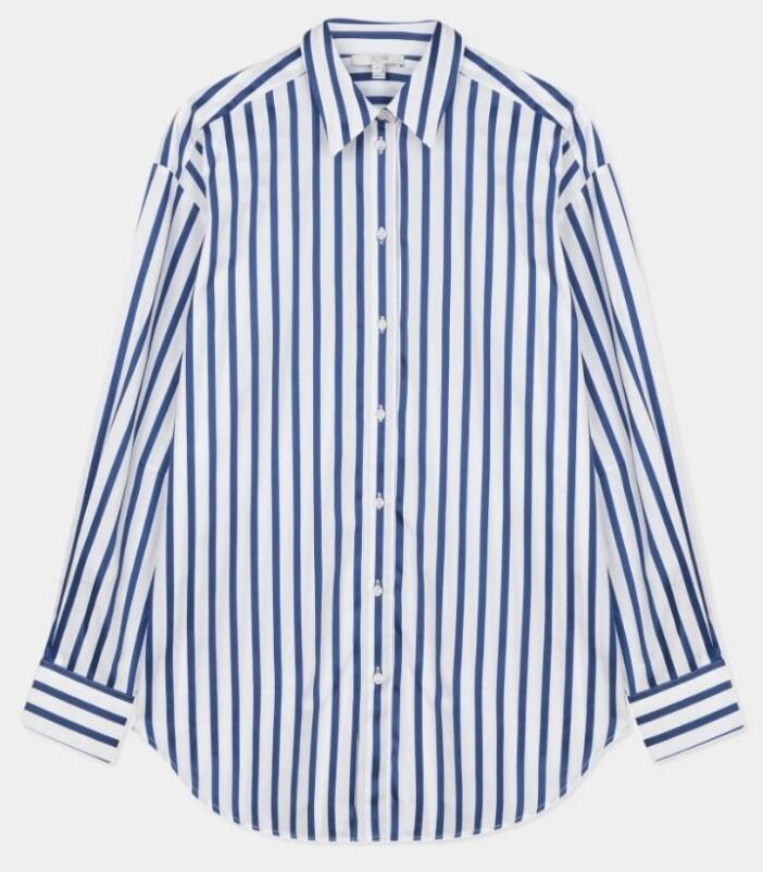 Klassisk skjorta från House of Dagmar med mörkblå ränder.