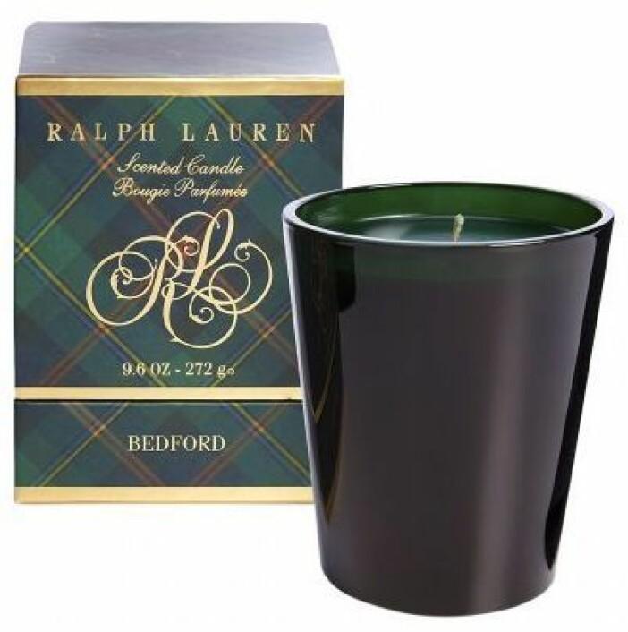 Klassiska julljuset Bedford från Ralph Lauren Home står för en magisk doft som skapar julstämning från första stund
