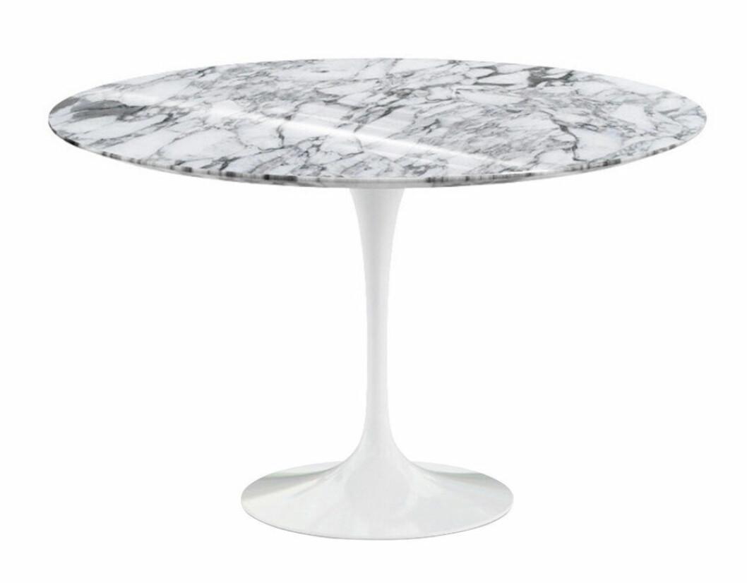 Eero Saarinen Knoll bord på rea