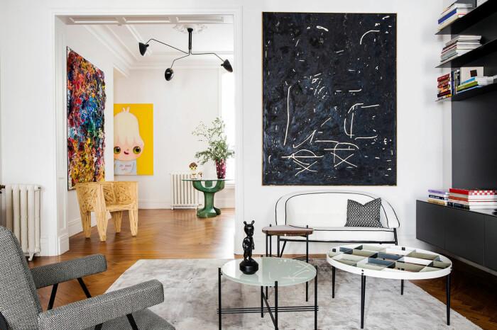 konstgalleri och designmöbler i våning i Madrid