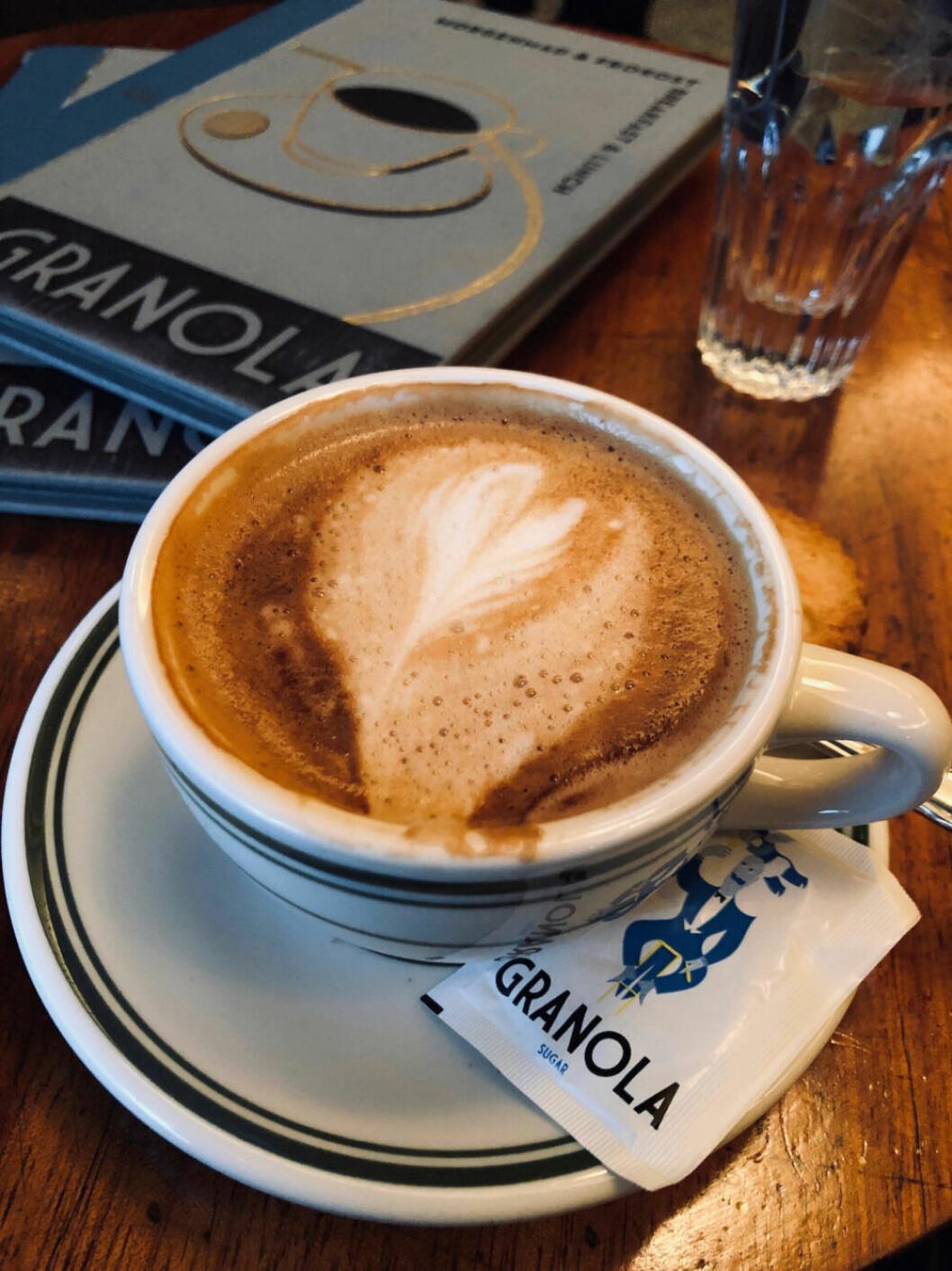 En kopp kaffe på Granola i Köpenhamn