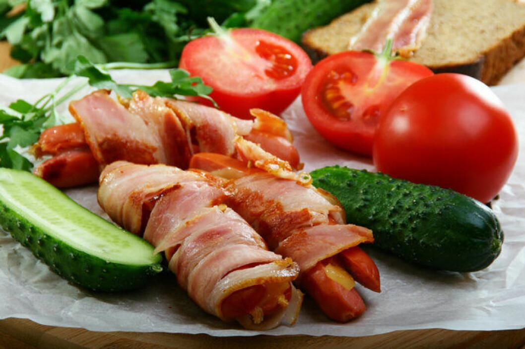 Baconlindad korv med fyllning.