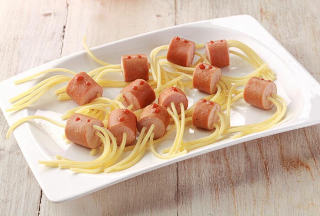 Spagetti med korv – med en twist.