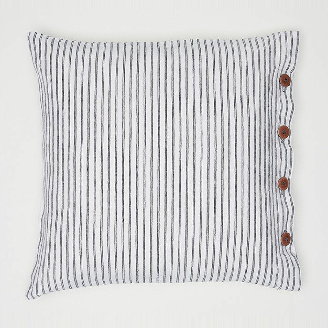 Randigt kuddfodral i linne från H&M Home