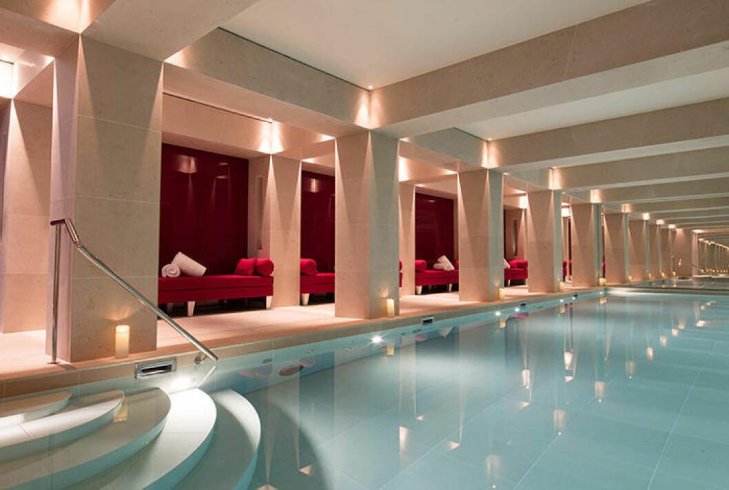 Hotellet La Reserve i Paris har även ett spa och en pool