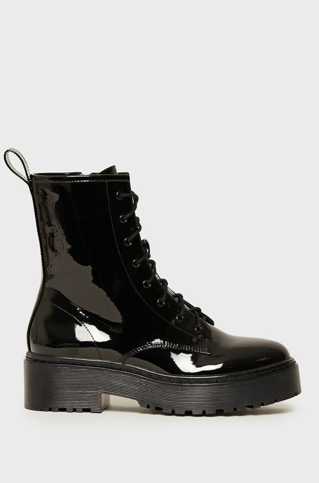 glansiga-boots-nly-shoes