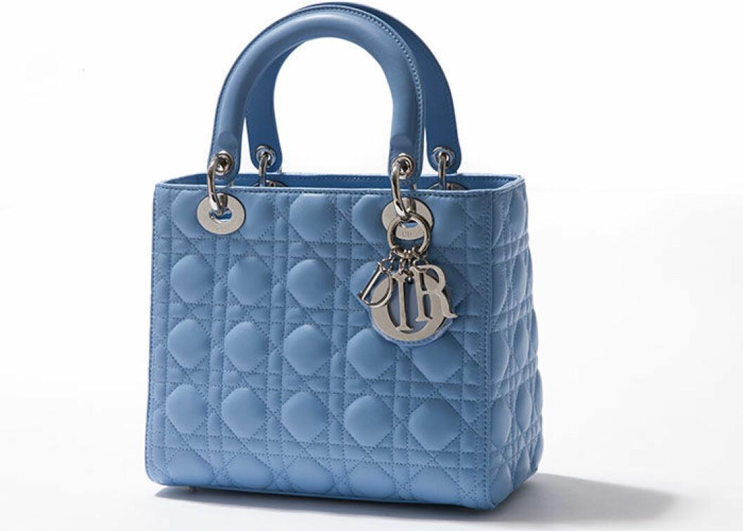 En Lady Dior väska i blått